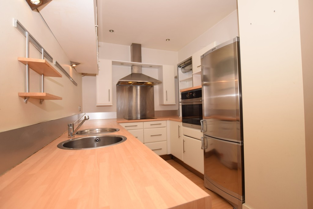 1 Bedroom Apartment Flat for sale in John William Street, Huddersfield HD1