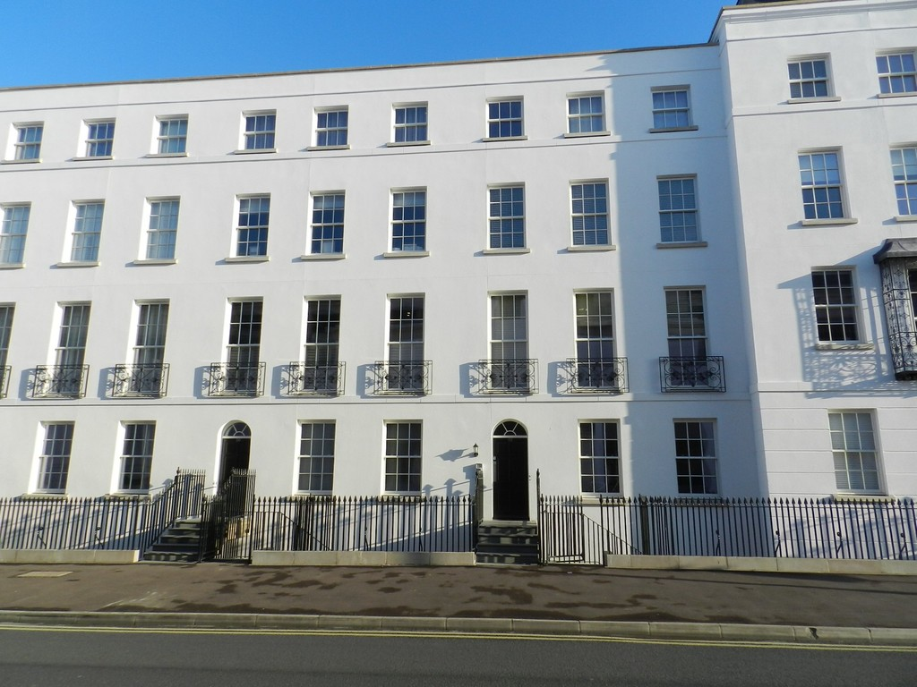 2 Bedrooms Apartment Flat for rent in Albion Street, Cheltenham GL52