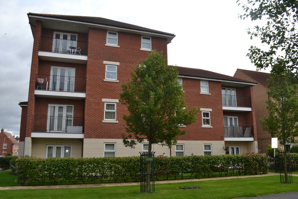 2 Bedrooms Apartment Flat for sale in Fernwood, Goldstraw Lane NG24