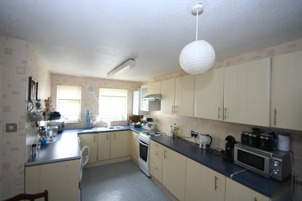 3 Bedrooms Terraced House for sale in Simcoe Terrace, Dover CT16