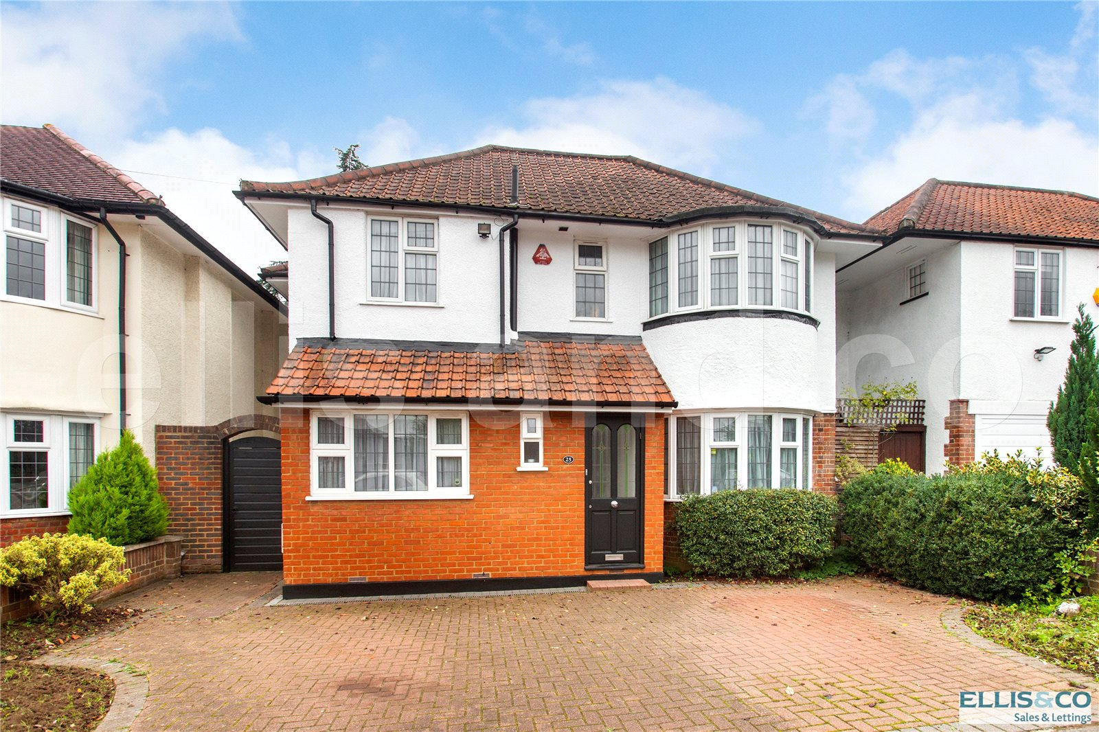 4 Bedrooms Detached House for sale in Uphill Grove Mill Hill London NW7