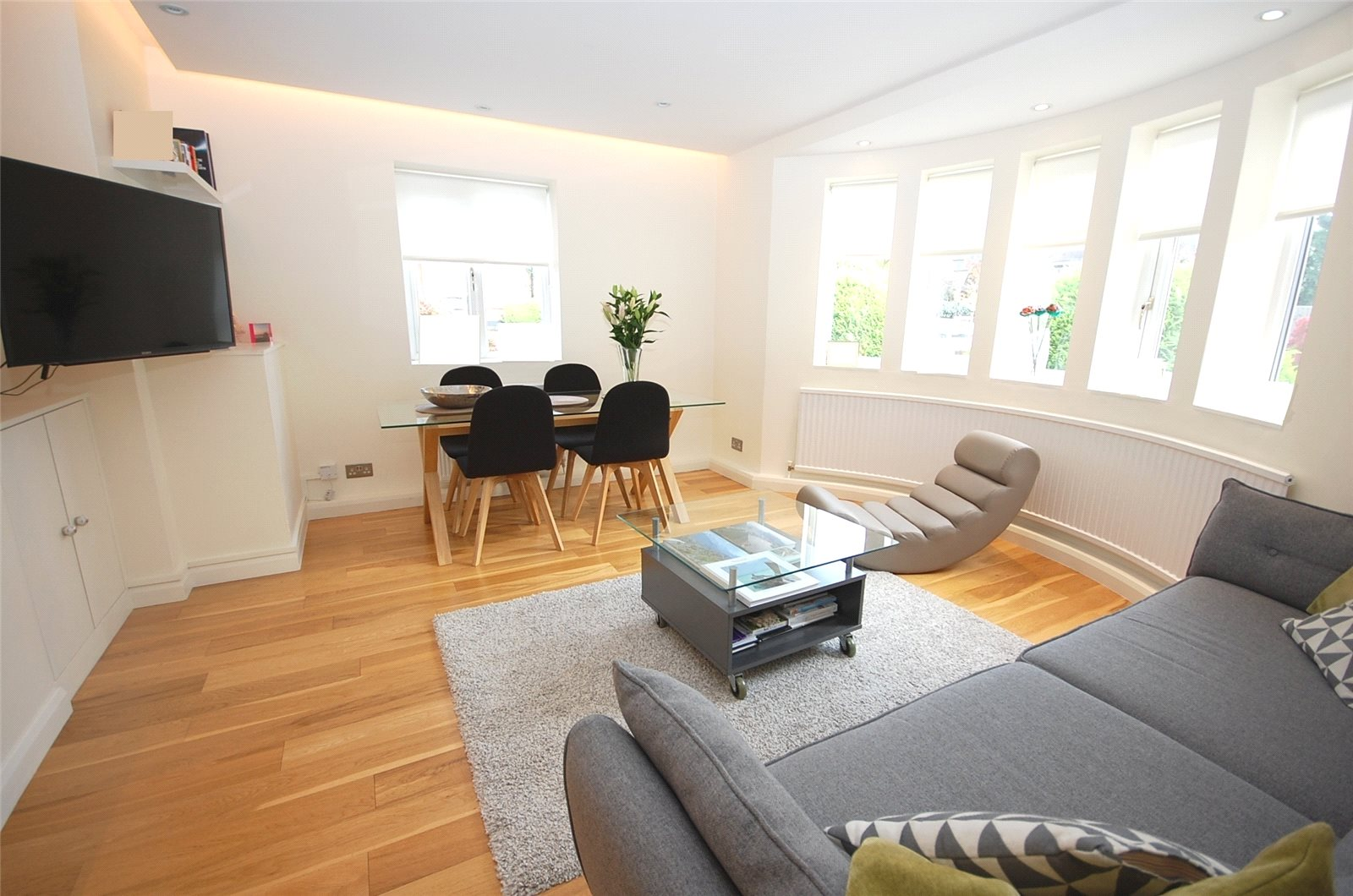 2 Bedrooms Maisonette Flat for sale in East Lodge Holly Park Gardens Finchley N3