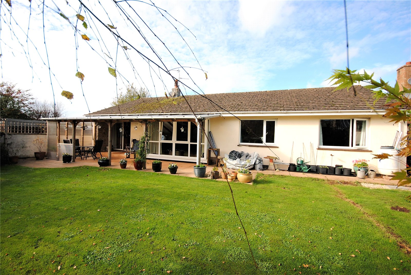 3 Bedrooms Bungalow for sale in Copper Close Cheddar Somerset BS27