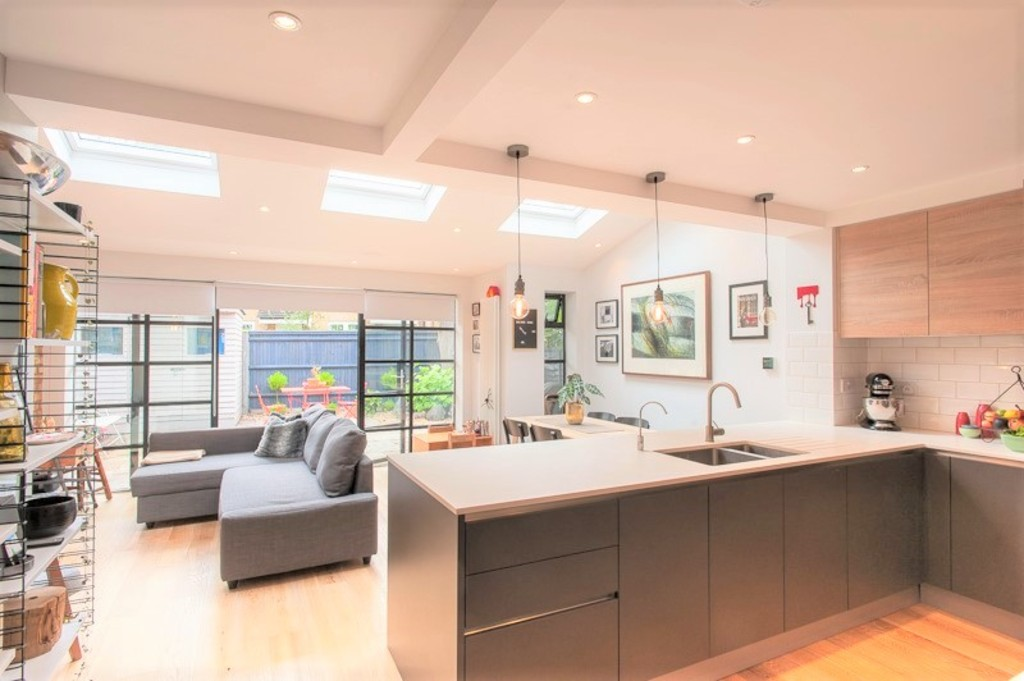 3 Bedrooms Maisonette Flat for sale in Twickenham, Middlesex TW1