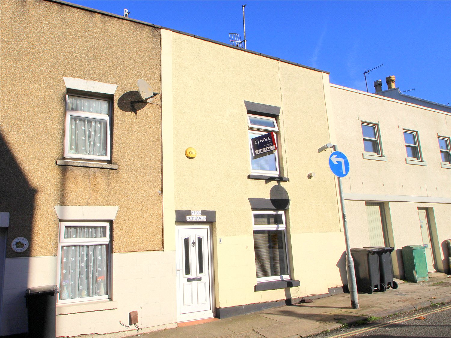 2 Bedrooms Terraced House for sale in Alma Cottage Ashton Vale Bristol BS3