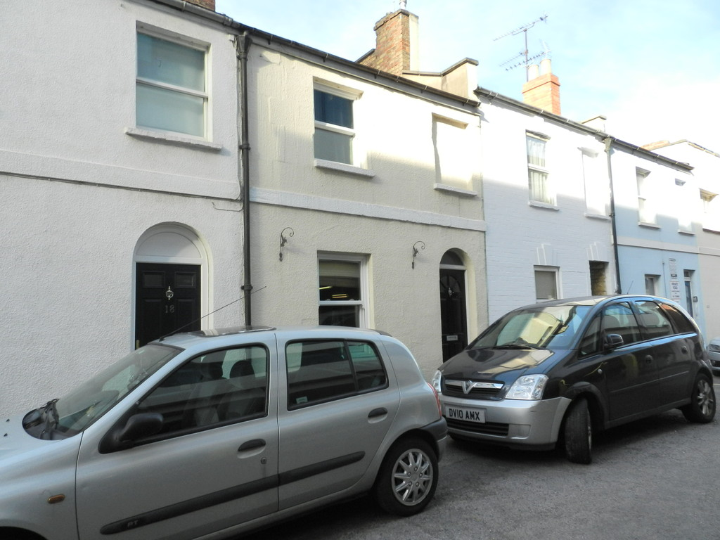 2 Bedrooms Terraced House for sale in Cheltenham Town Centre GL50