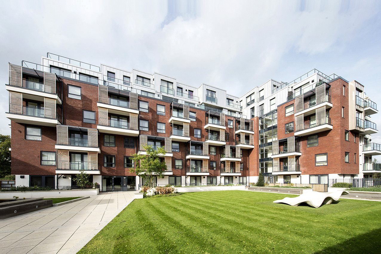 2 Bedrooms Flat for sale in Brunel Court 201 Green Lane Edgware HA8