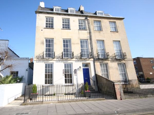 1 Bedroom Flat for sale in North Place Cheltenham GL50