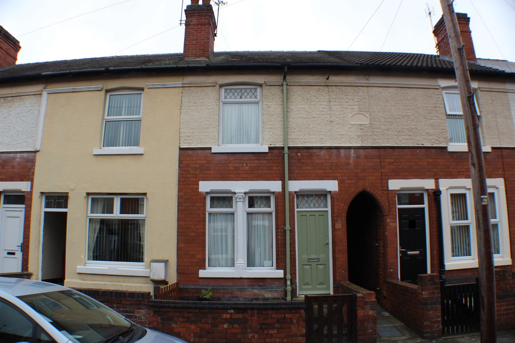 3 Bedrooms Terraced House for sale in Montague Road, Hucknall NG15
