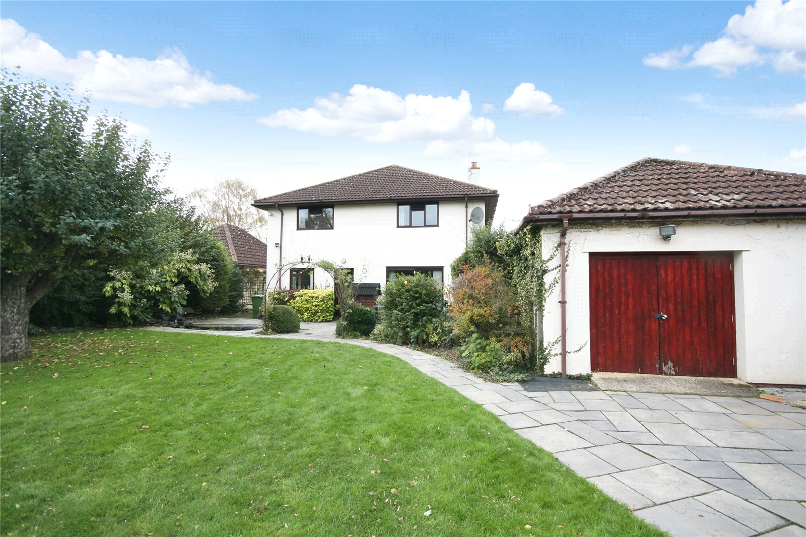 4 Bedrooms Detached House for sale in Homecroft Drive Uckington Cheltenham GL51