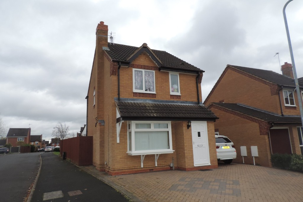 4 Bedrooms Detached House for sale in Walland Grove, Stafford, Staffordshire ST16