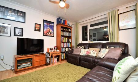 Meadow Way Theale Reading RG7 Image 6