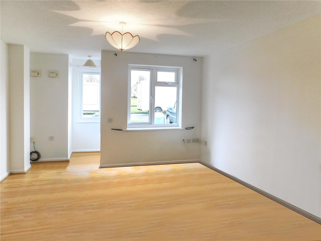 1 Bedroom Terraced House for sale in Pond Road, Egham TW20