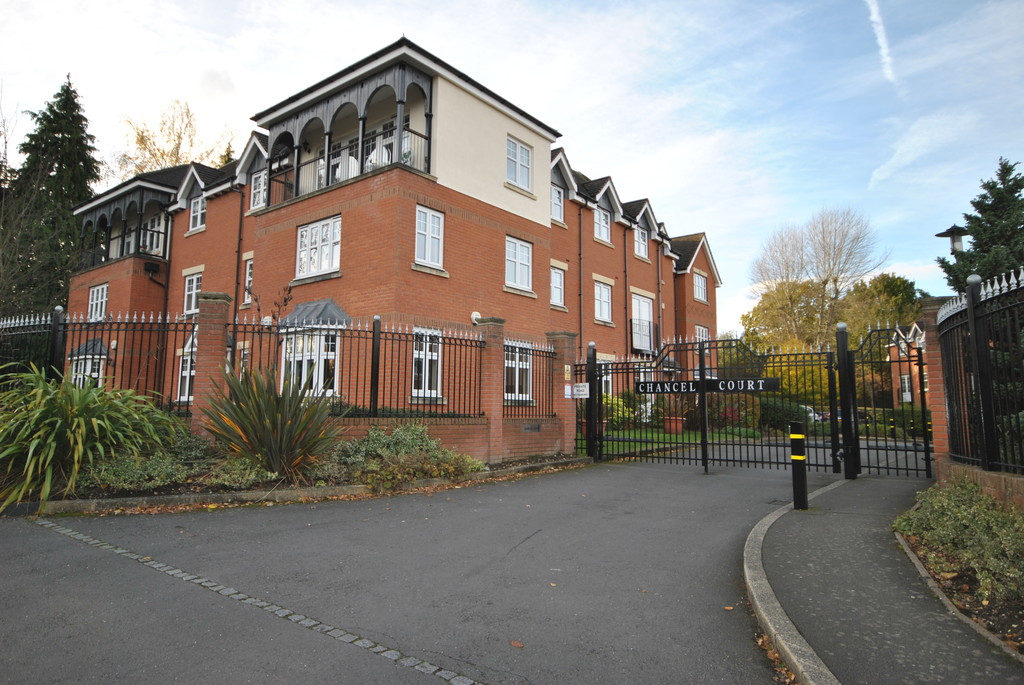 3 Bedrooms Apartment Flat for rent in Chancel Court, Solihull B91