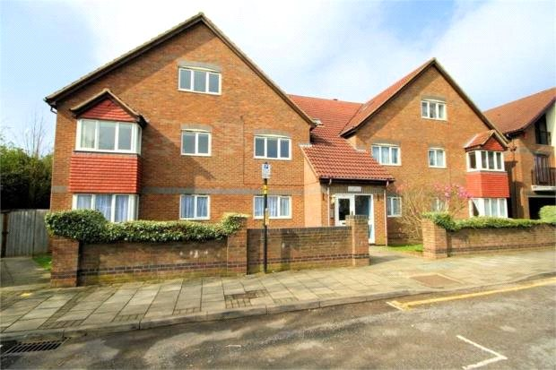 2 Bedrooms Flat for sale in Holbein House 60 Marsh Lane Stanmore HA7