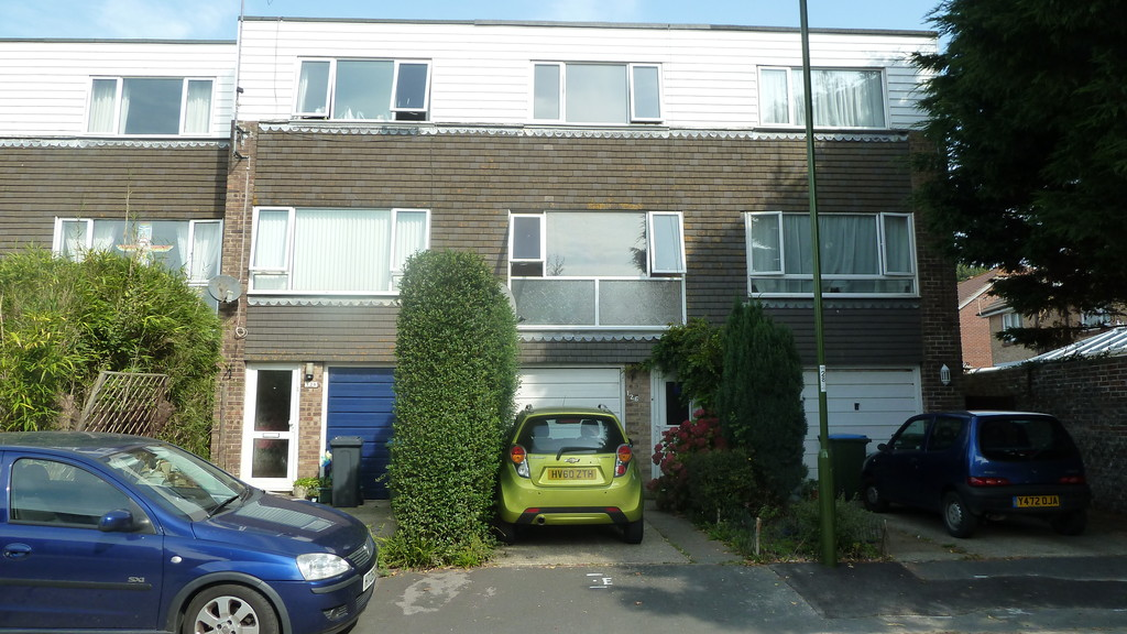 3 Bedrooms Terraced House for sale in Timberleys, Littlehampton BN17