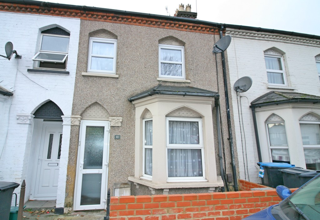 2 Bedrooms Terraced House for sale in Welcomes Terrace , Godstone Road CR3