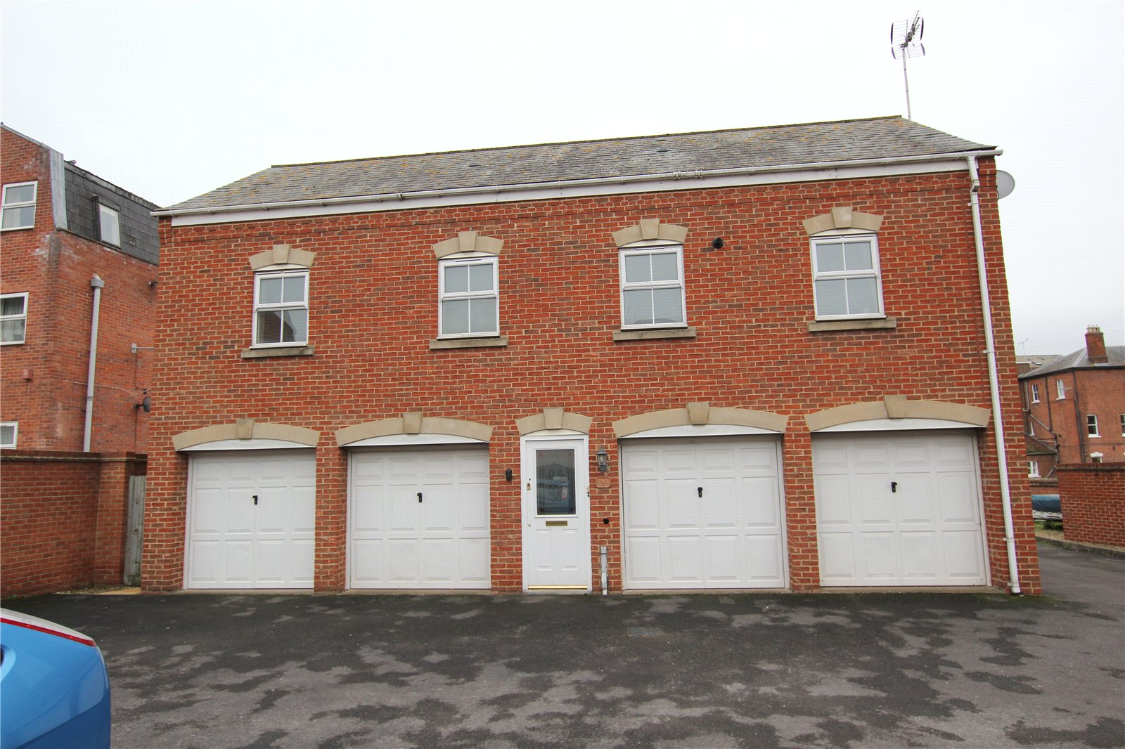 2 Bedrooms Property for sale in Chillingworth Mews Gloucester GL1