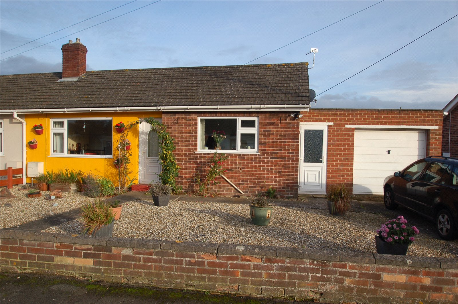 2 Bedrooms Bungalow for sale in Sussex Avenue Bridgwater Somerset TA6