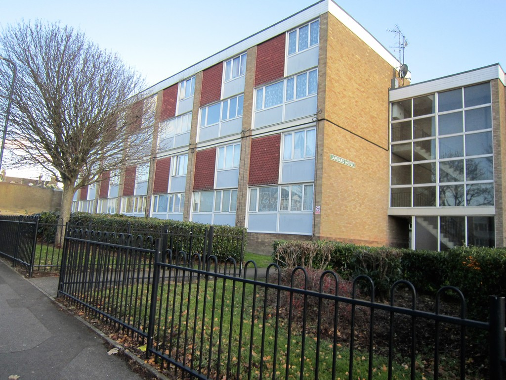 2 Bedrooms Maisonette Flat for sale in Wheeler Street, Maidstone ME14