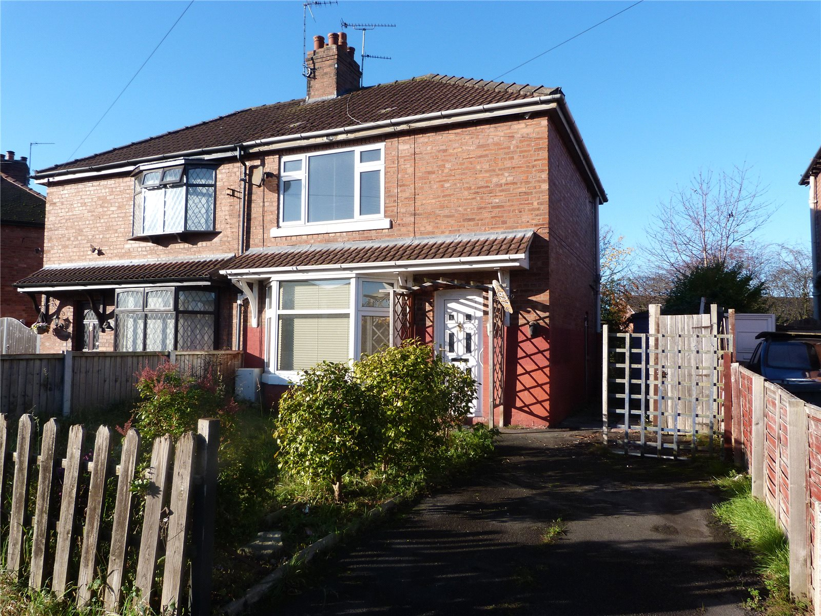 Whitegates crewe 2 bedroom house for sale in underwood for Underwood house for sale