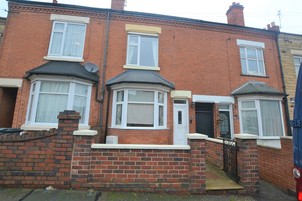 3 Bedrooms Terraced House for sale in Knighton Lane, Aylestone, Leicester LE2