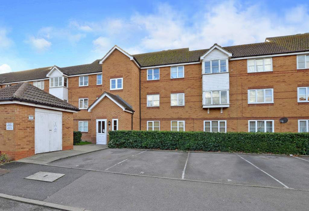 2 Bedrooms Apartment Flat for sale in Aspen Grove, Aldershot GU12