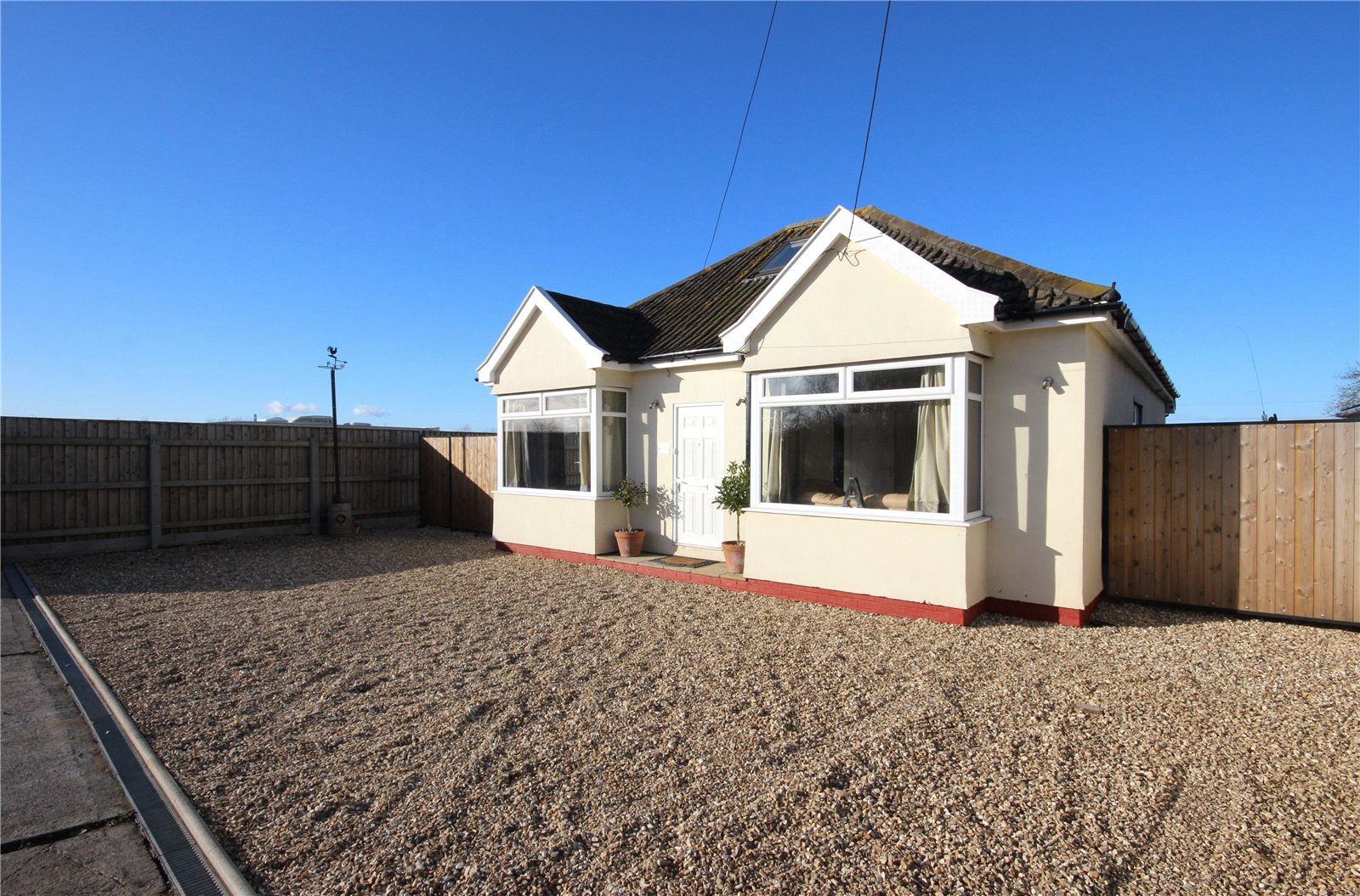3 Bedrooms Bungalow for sale in Marsh Common Road Pilning Bristol BS35