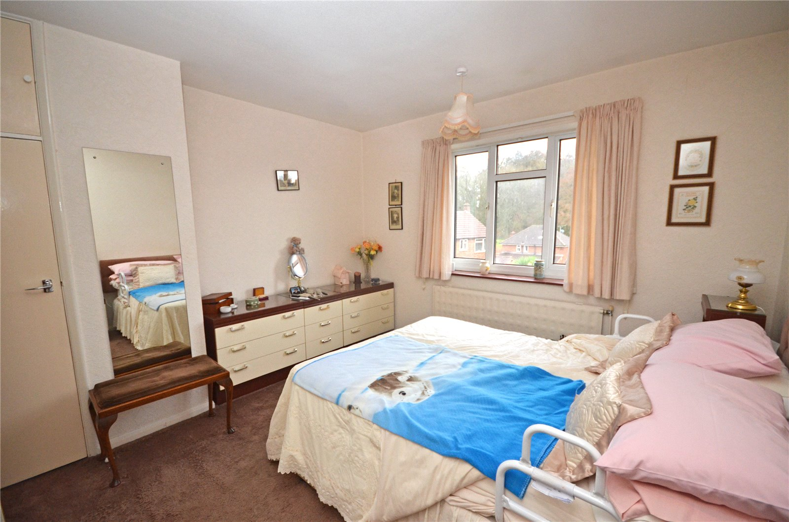 Parkers Tilehurst 3 Bedroom House For Sale In Pegs Green Close