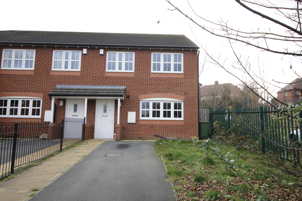 3 Bedrooms Semi Detached House for sale in Rosa Court, Baghill, Pontefract WF8