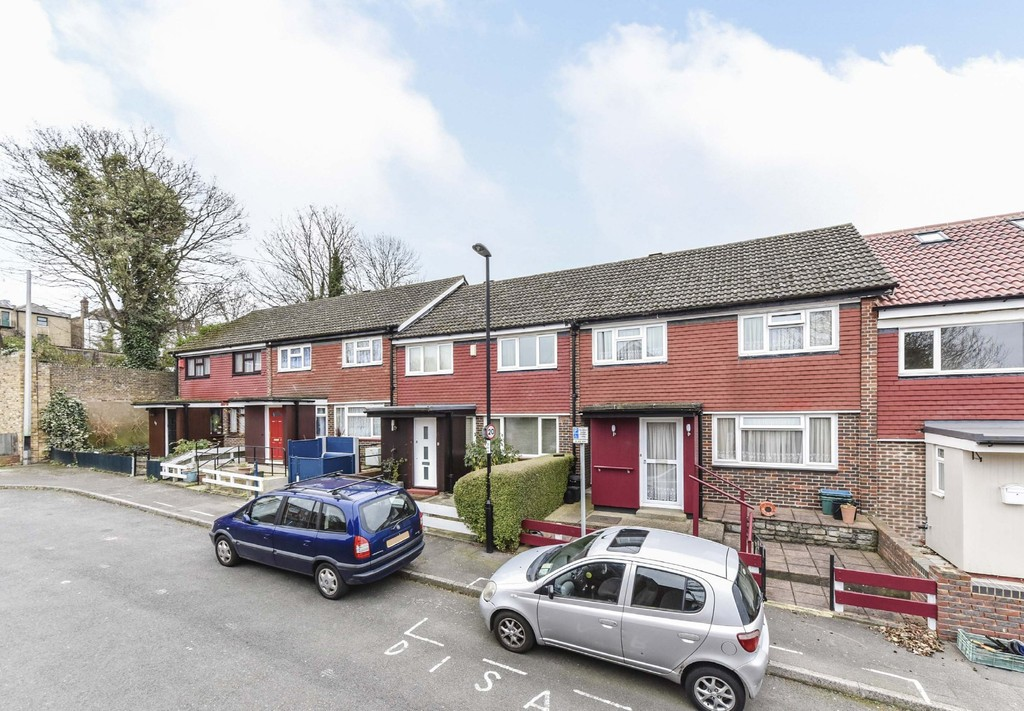 3 Bedrooms Terraced House for sale in Naseby Rd, Upper Norwood SE19