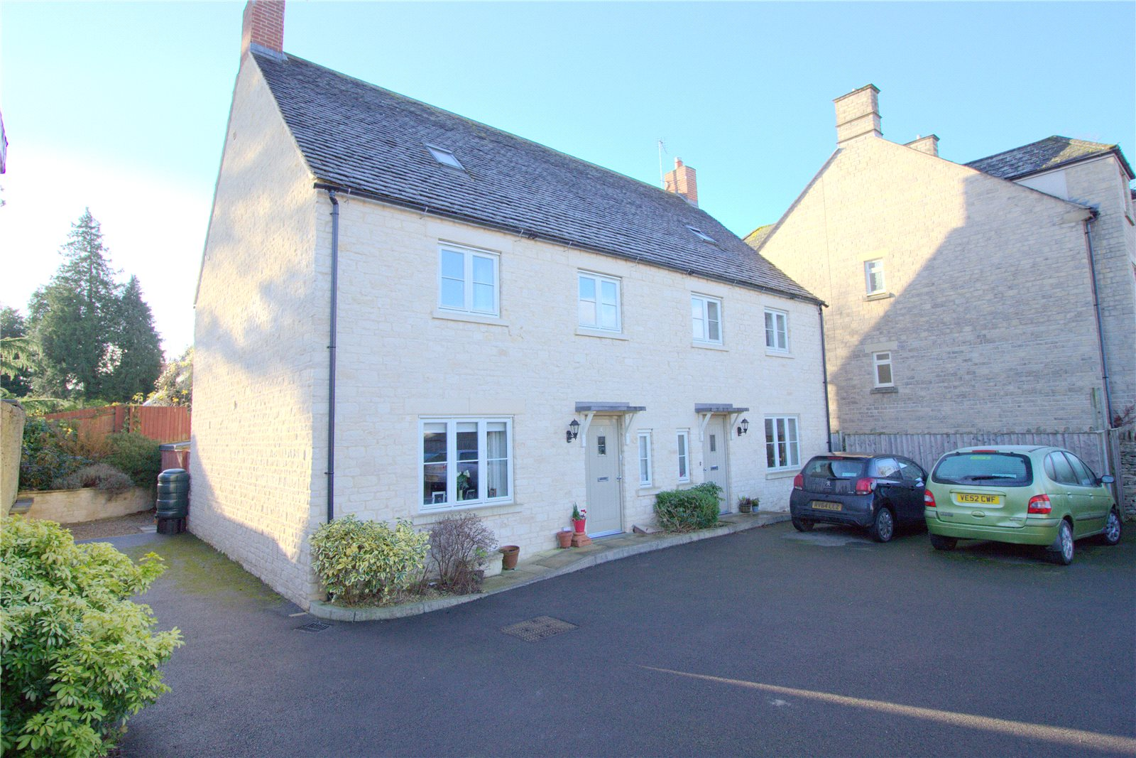 3 Bedrooms Property for sale in The Woodbine Cirencester GL7