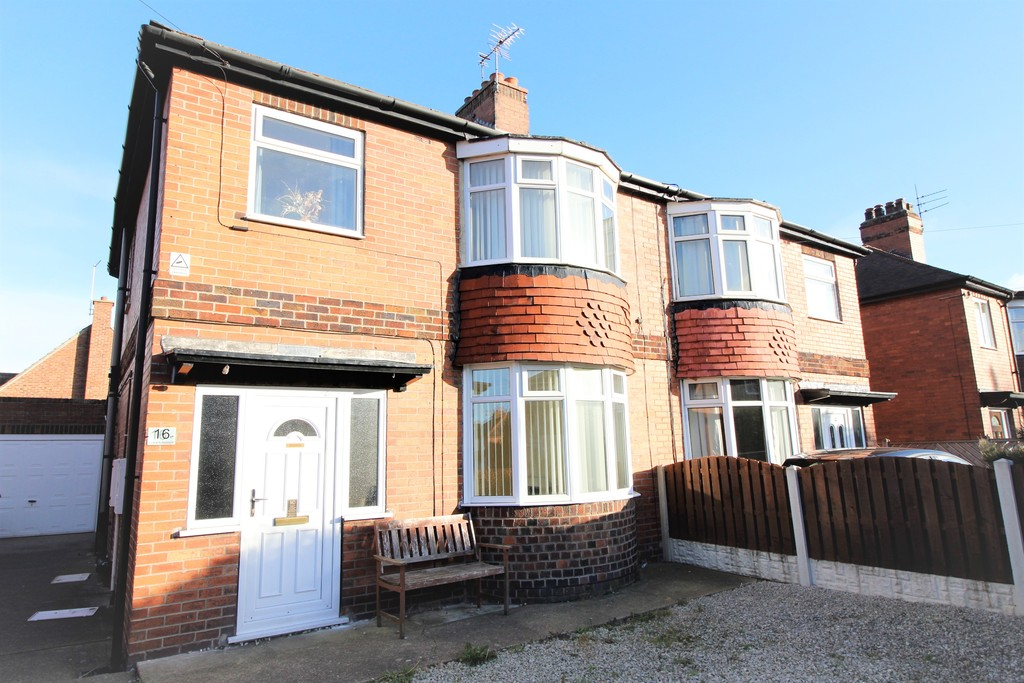 3 Bedrooms Semi Detached House for sale in Askam Avenue, Pontefract, WF8 WF8