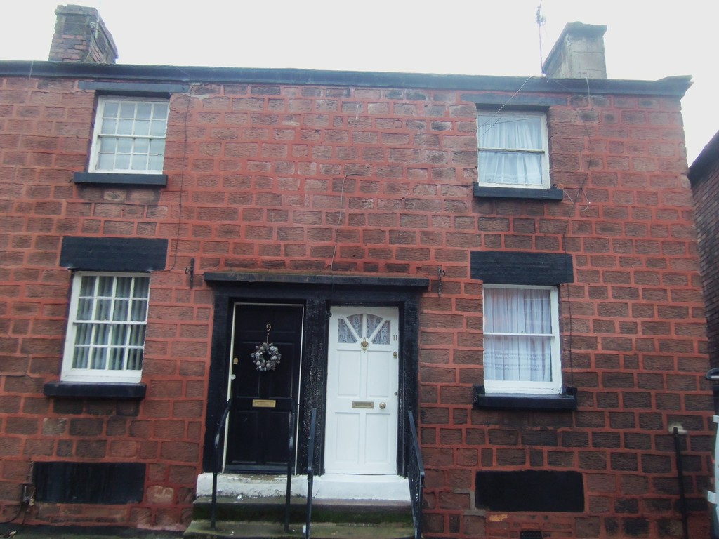 2 Bedrooms Semi Detached House for sale in Quarry Street, Woolton, Liverpool L25
