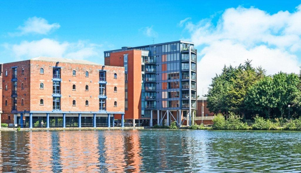 2 Bedrooms Apartment Flat for sale in City Wharf, Atlantic Wharf CF10