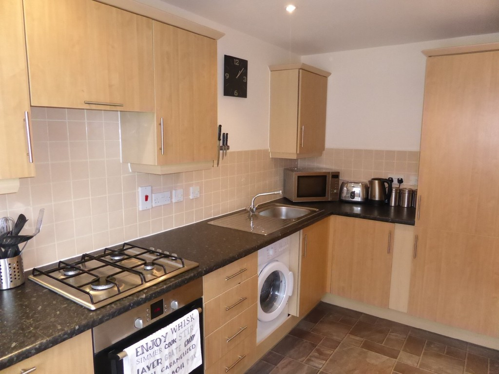 2 Bedrooms Apartment Flat for sale in Chariot Drive, South Colchester CO2