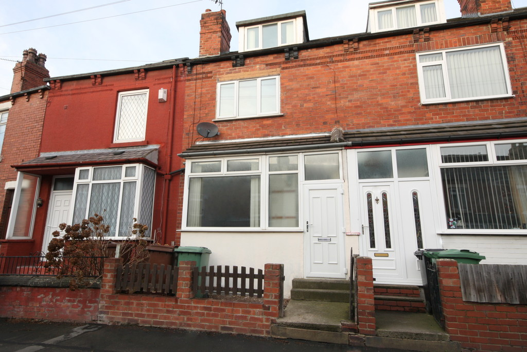 3 Bedrooms Terraced House for rent in Beech Grove Avenue, Garforth LS25