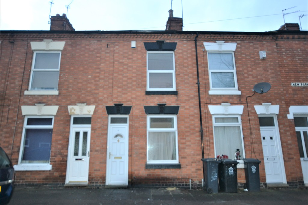 2 Bedrooms Terraced House for sale in New Park Road, Aylestone, Leicester LE2