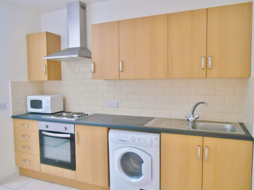 3 Bedrooms Apartment Flat for sale in Swindon SN1
