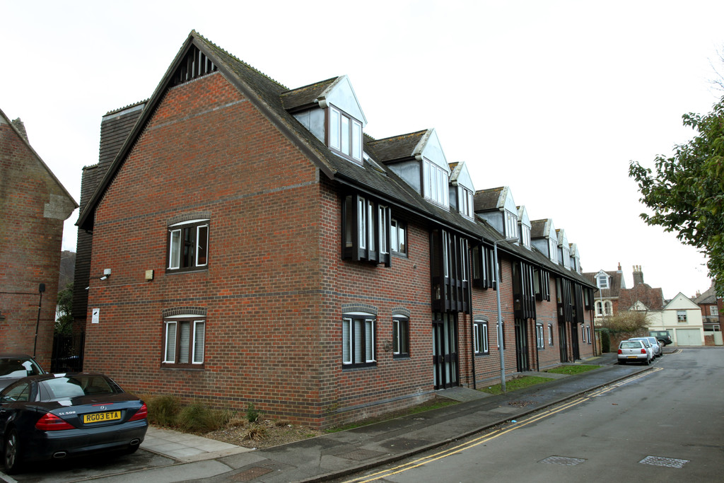 2 Bedrooms Apartment Flat for sale in St Anns Place, Salisbury SP1