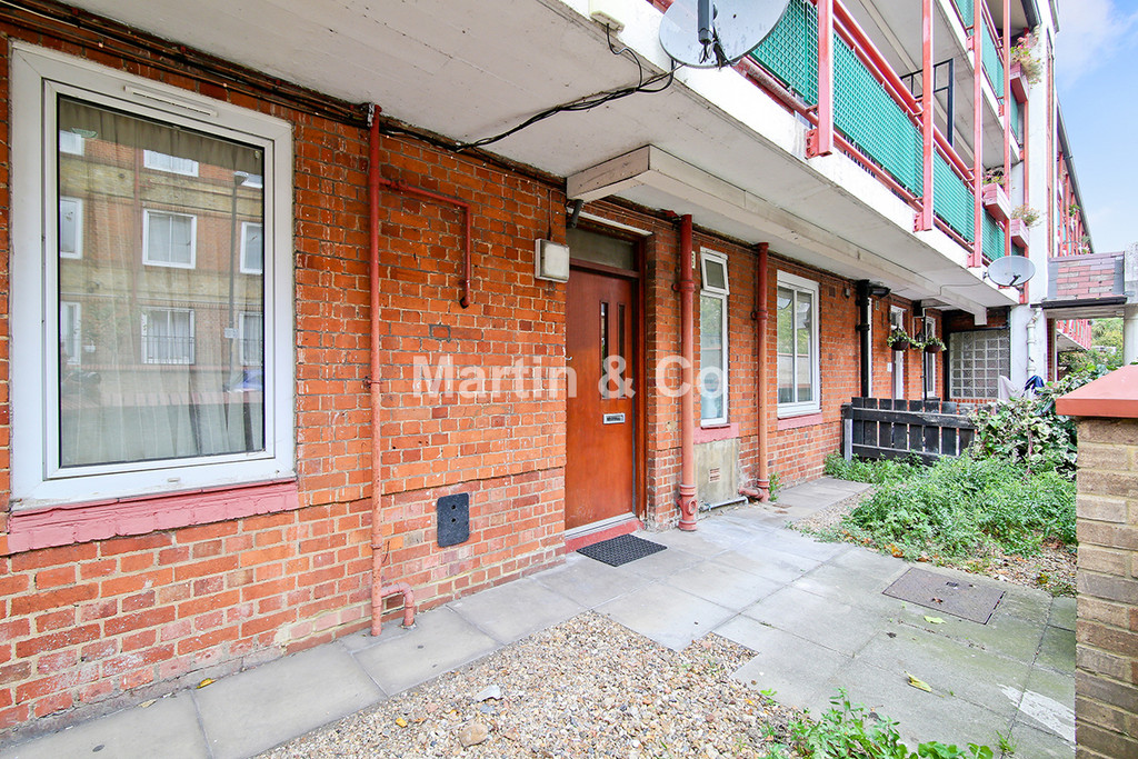 3 Bedrooms Apartment Flat for sale in SE16 4PA SE16