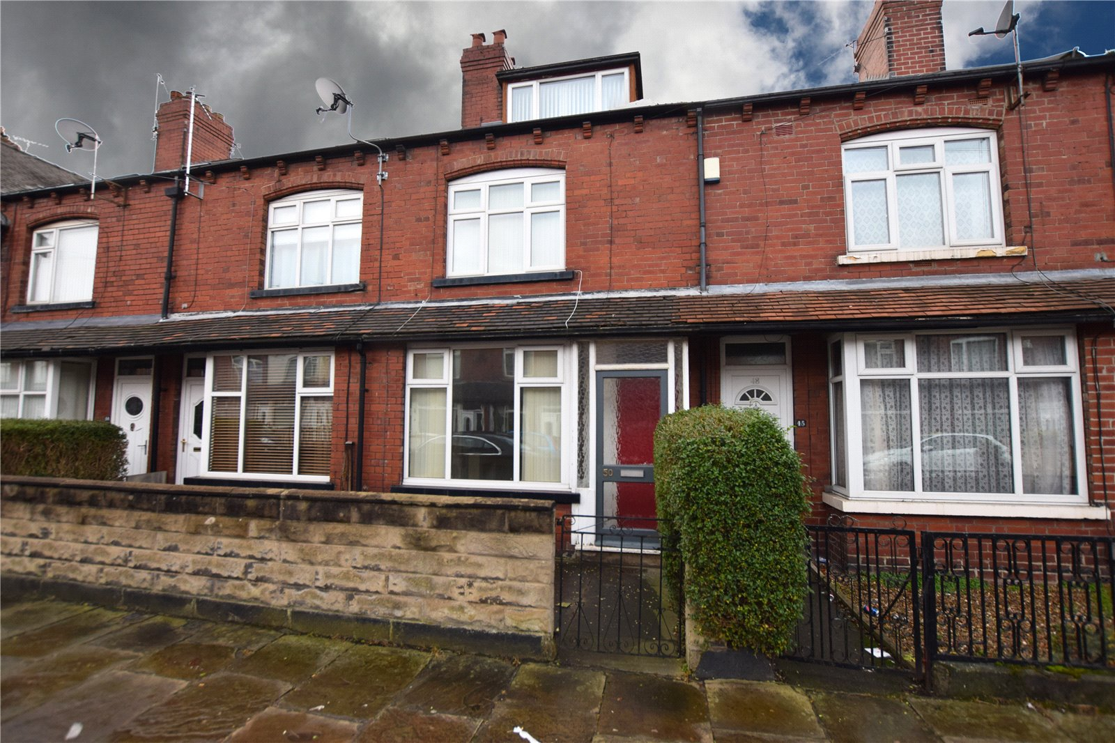 Yorkshire Terrace: Whitegates South Leeds 3 Bedroom House Let Agreed In Cross