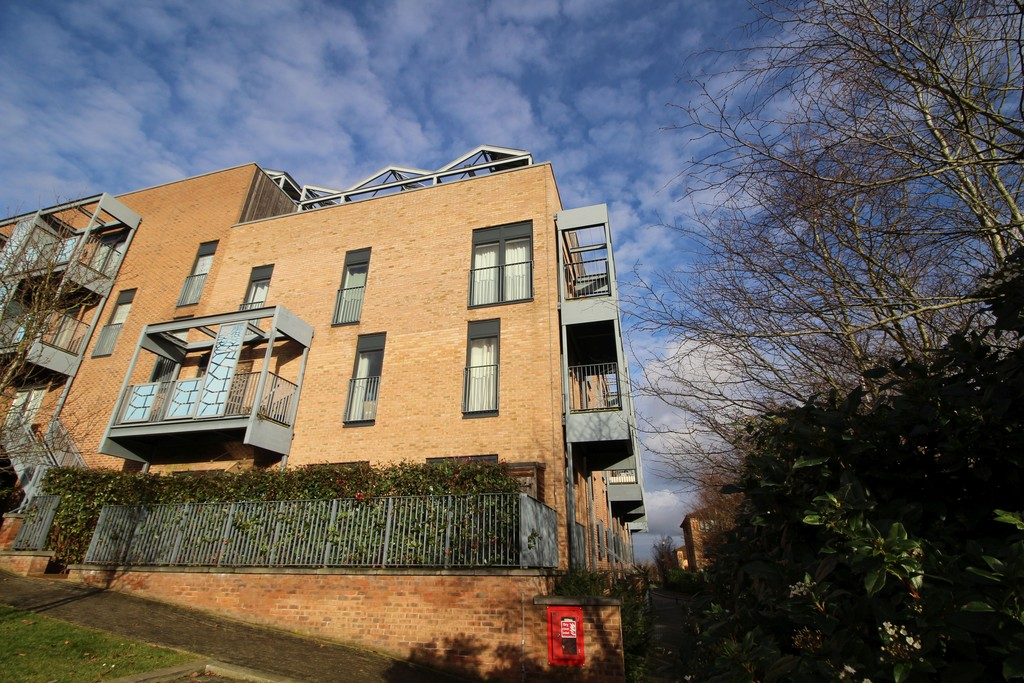 2 Bedrooms Apartment Flat for rent in Campbell Park, Milton Keynes MK9
