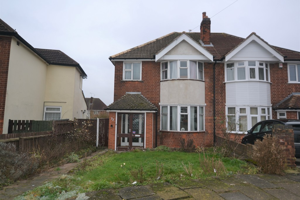 3 Bedrooms Semi Detached House for sale in Bristol Avenue, Leicester LE4