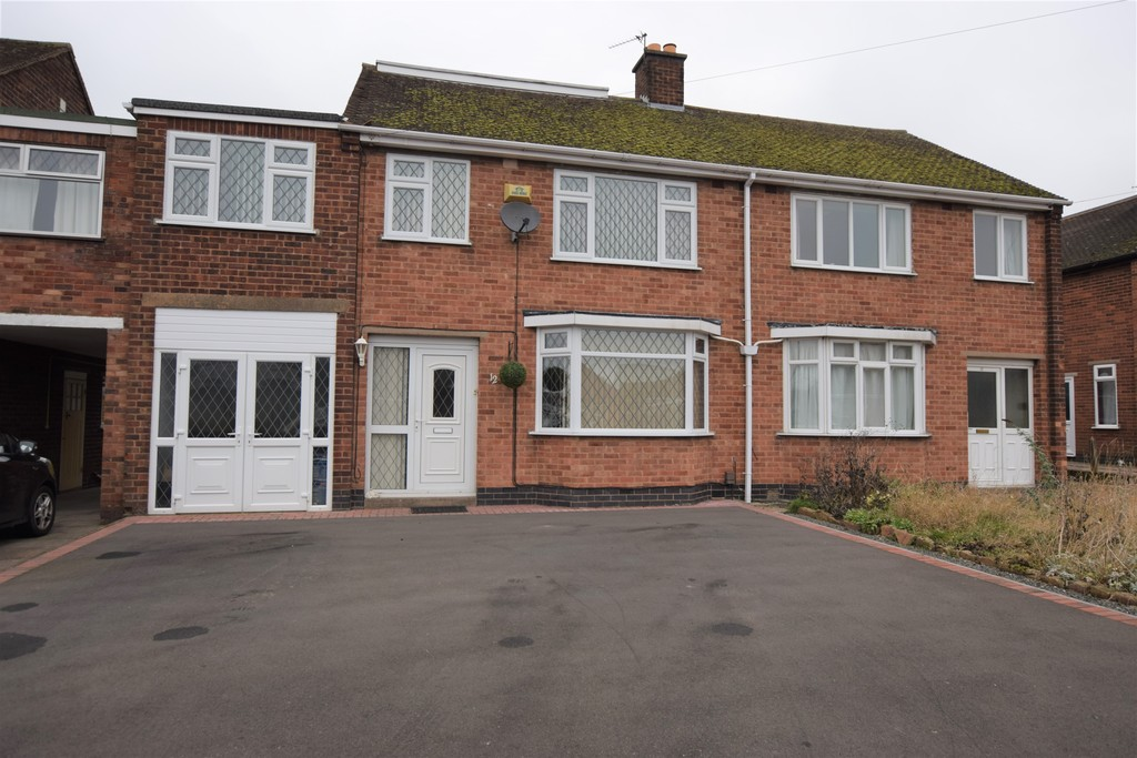 4 Bedrooms Semi Detached House for sale in York Road, Hinckley LE10