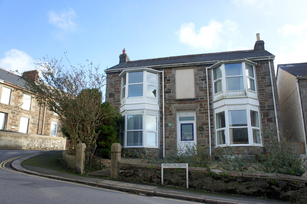 1 Bedroom Apartment Flat for sale in Mount Ambrose, Redruth TR15