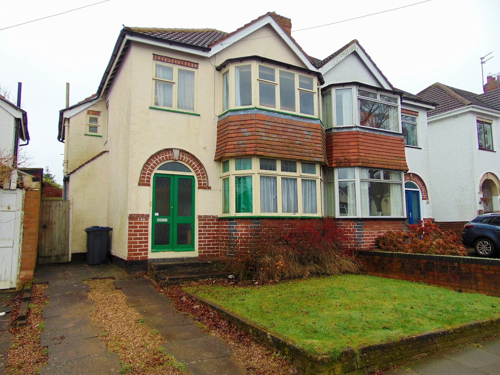 3 Bedrooms Semi Detached House for sale in Chelston Road, Northfield B31