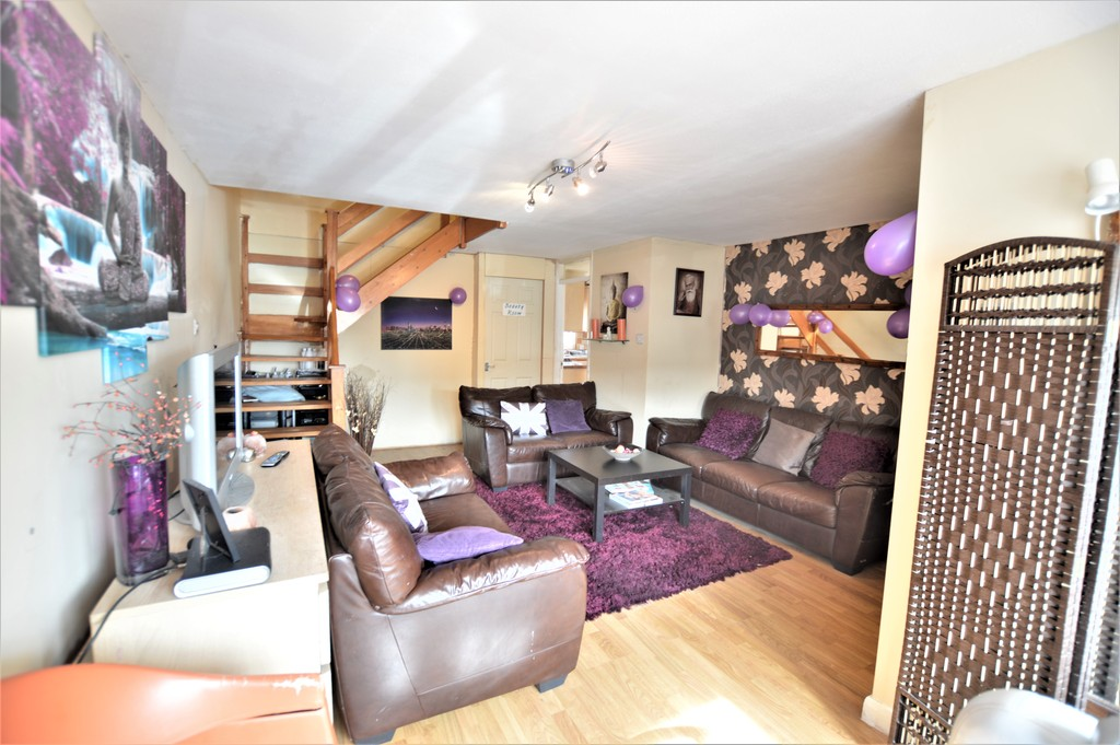 3 Bedrooms Semi Detached House for sale in The Frithe, Wexham SL2