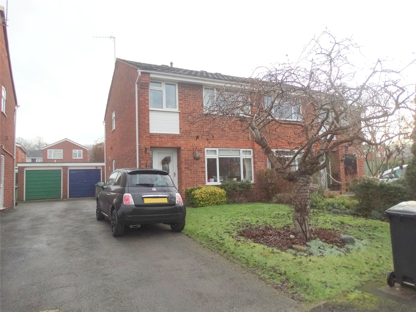 3 Bedrooms Semi Detached House for sale in Willets Road Droitwich Spa WR9