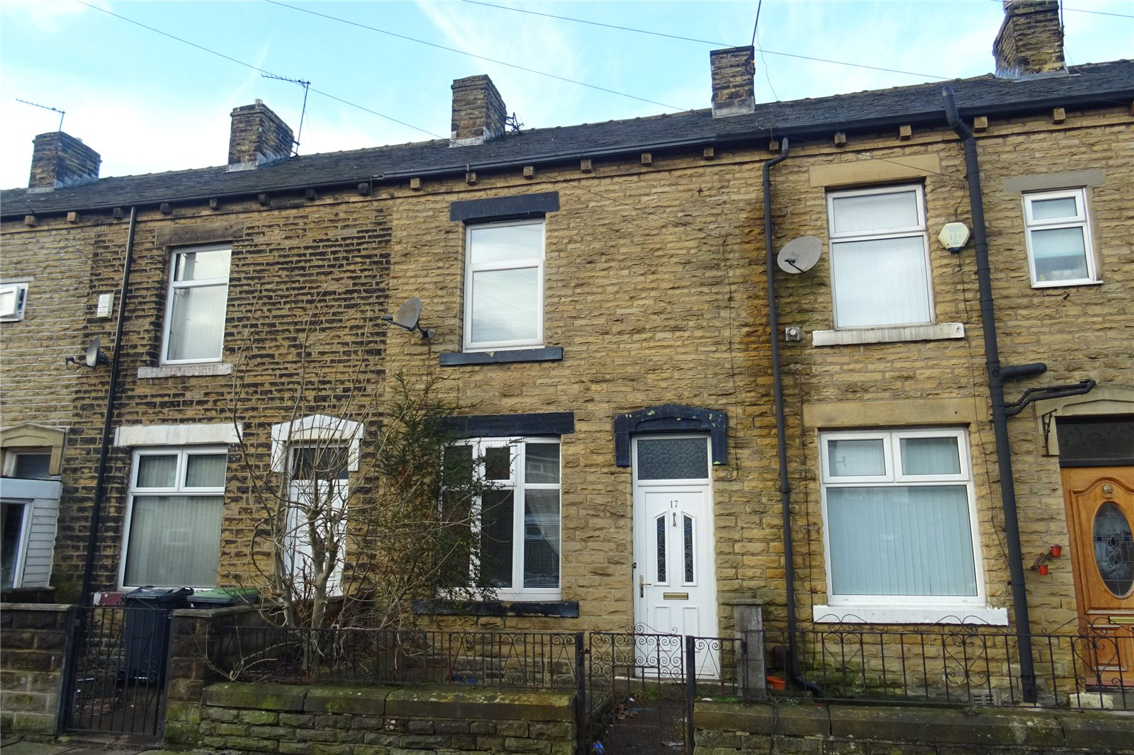 Yorkshire Terrace: Whitegates Bradford 2 Bedroom House For Sale In Sandygate